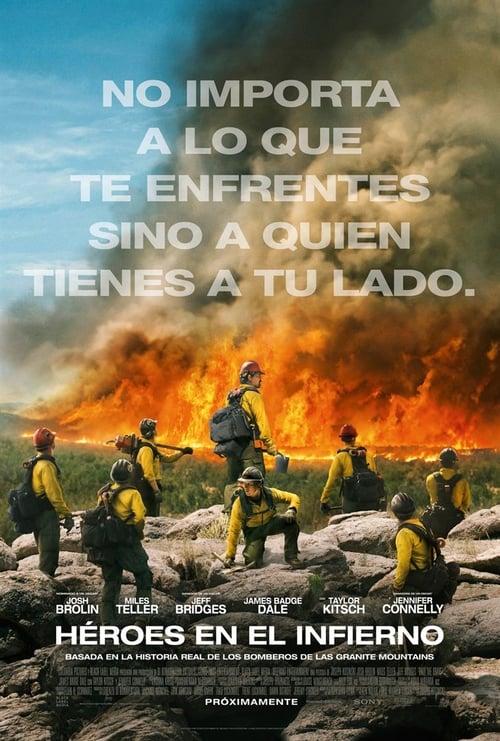 Héroes en el infierno poster